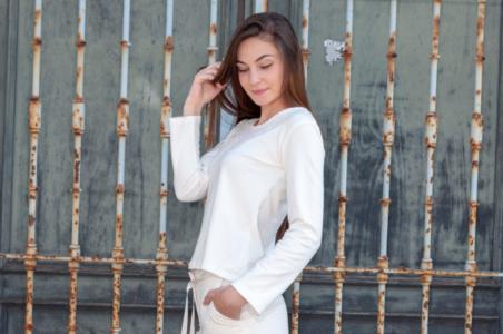 Mxuk Basque Slow Brand / Sudadera blanca romantic
